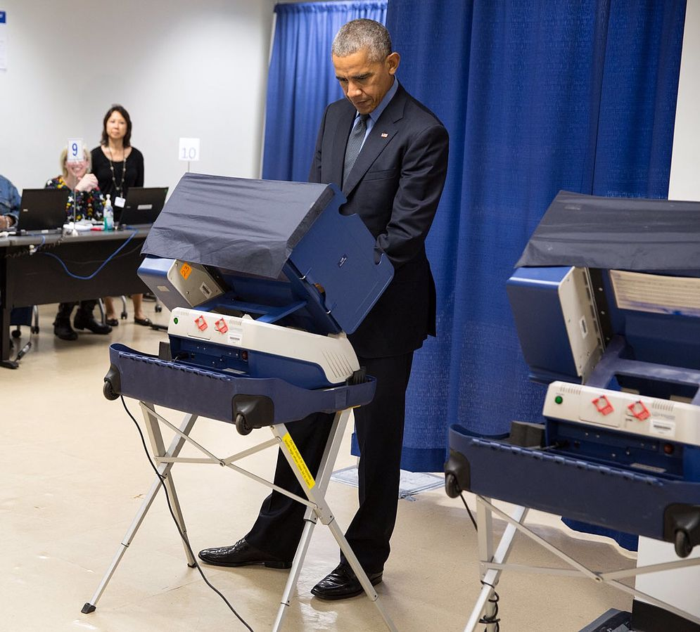 Barack Obama casts an early vote in the 2016 election