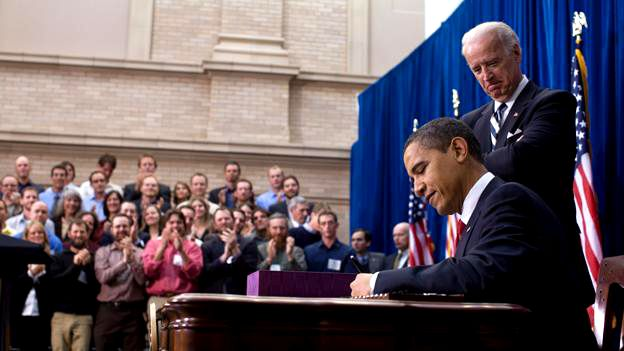 Barack Obama signs American Recovery and Reinvestment Act of 2009 on February 17 Pete Souza