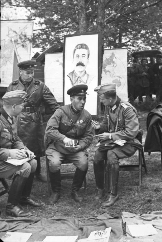 German and Soviet Soldiers in Brest